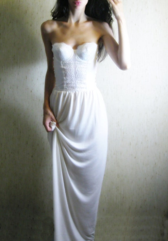 great expectations - vintage 60s revived beautiful ivory organic bamboo lace strapless dress