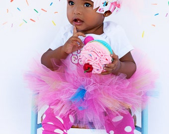FREE SHIPPING - Cupcake Birthday Outfit - Cupcake Cutie - bow, leg warmers, tutu and personalized bodysuit - As Seen in GLAMOUR magazine