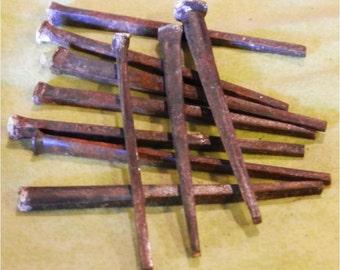 "2 1/2"" antique square nails"