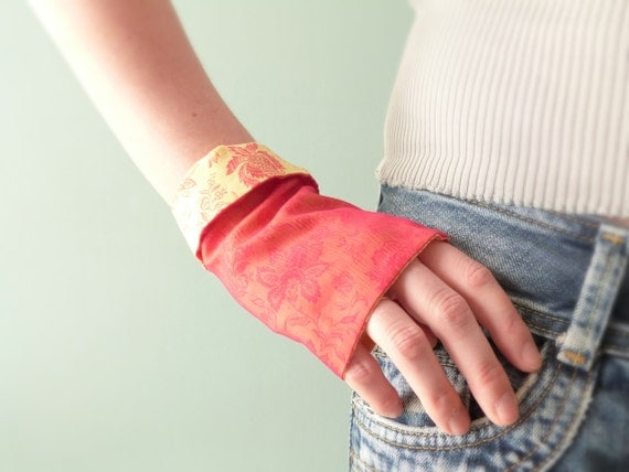 Floral Fingerless gloves Pink & yellow silk OOAK by Jye, Hand-made in France