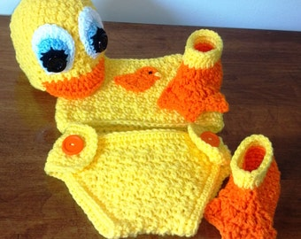 Little Ducky Hat, diaper cover, top and booties crochet Pattern, Newborn to 1 month.
