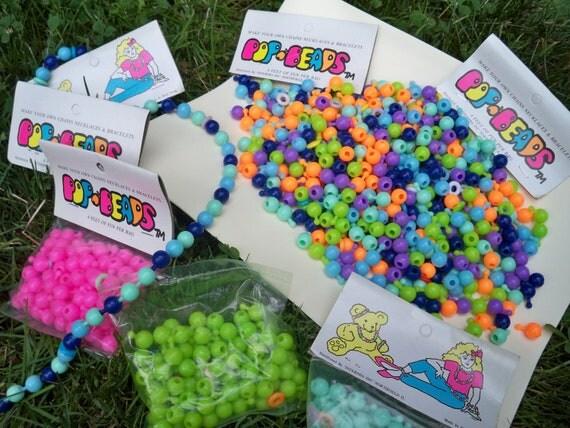 Vintate  Pop-Beads Lot - Retro Arts and Crafts / Retro Jewelry Making / Retro Toy