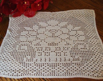 Hand Crocheted Doily Floral Basket Design Vintage