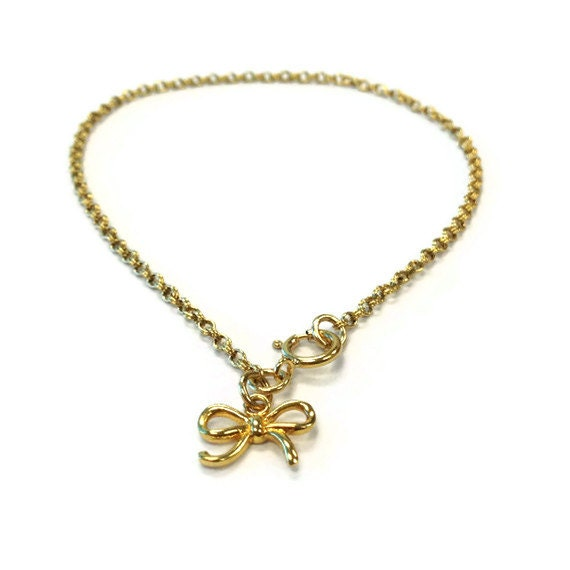 Gold Chain Bracelet  Bow Charm Yellow Gold Jewelry Luxe Jewellery Ribbon Pendant Urban Luxe Everyday Minimal Fashion Dainty B-314