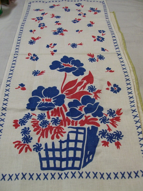 Vinage Linen TOWEL Kitchen Towel Red and Blue Flower Basket Stunning and Like New Condition