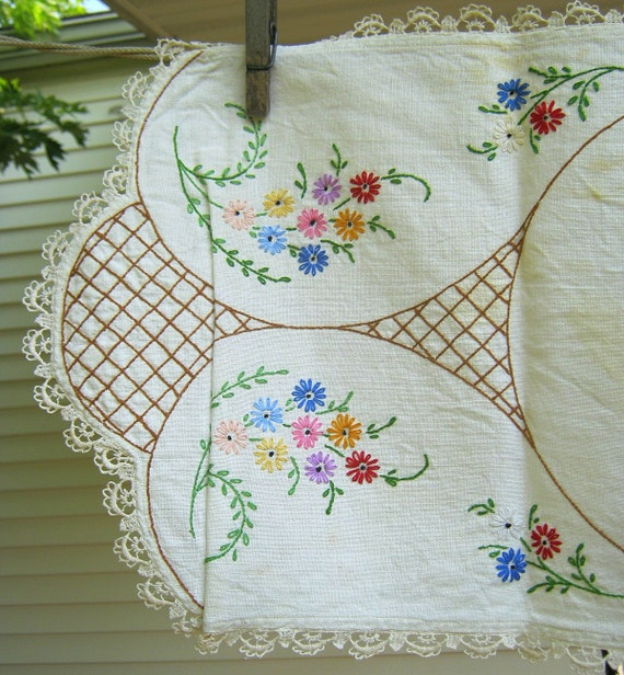 Vintage Dresser Scarf Floral Embroidery Crochet Trim Table Linens