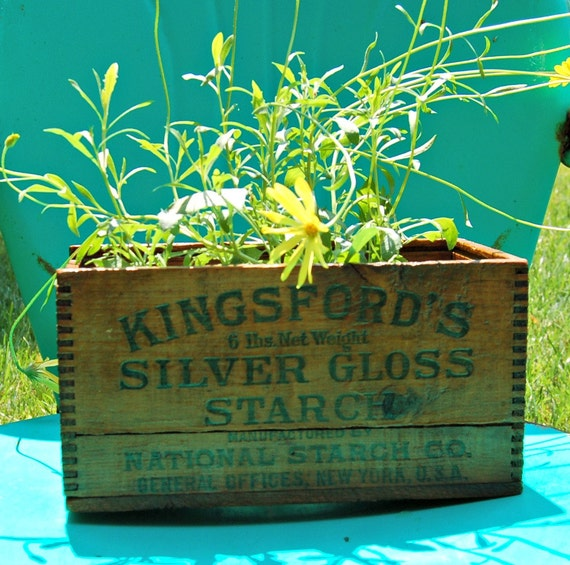 Antique Oswego Silver Gloss Starch Wood Box Crate with Dovetails