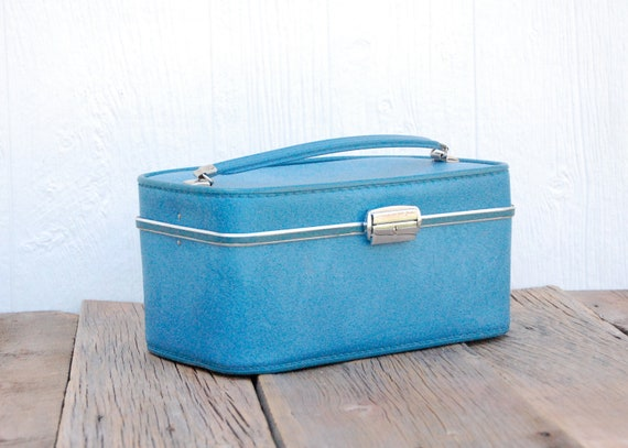 Vintage Invicta Turquoise Train Case Custom Charging Station for phones, iPods & iPad