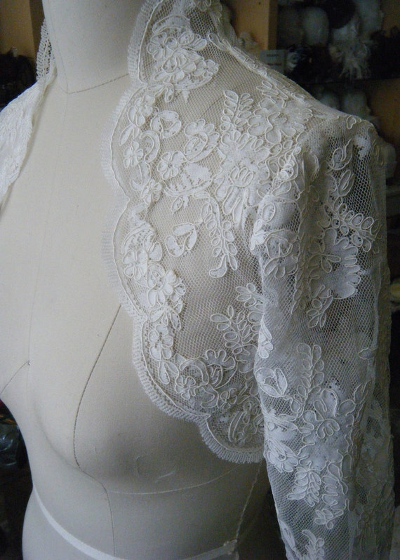 Lace Bridal Bolero 3/4 sleeves with Scallop Trim