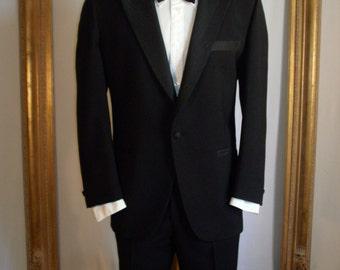 Vintage 1980's LeBaron Black Tuxedo - Size 44 Short
