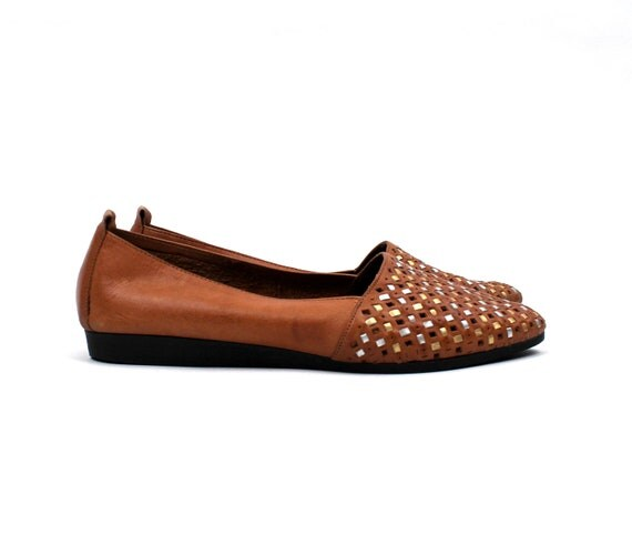 "1980s Leather Slip On Woven Flats/ Brown / Silver and Gold ""stud"" accents / womens size 9 1/2 // new old stock"