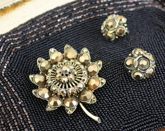 Sparkly Gold Weiss Sunflower Brooch / Pin Earrings Set