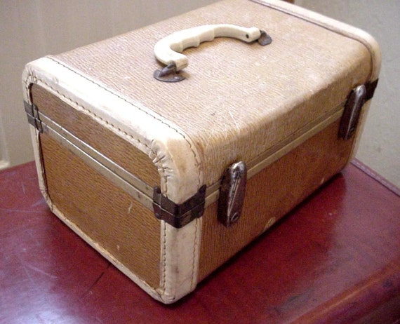 Vintage Train Case Gateway Makeup Cosmetic Suitcase Luggage itsyourcountry