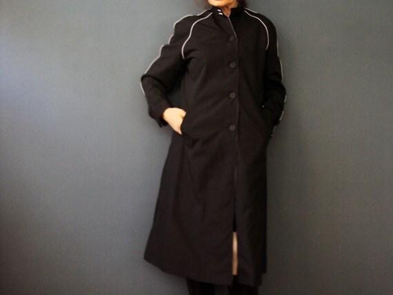 Vintage 60s Betty Barclay Black Raglan Sleeve Trench Coat Rain Coat Medium