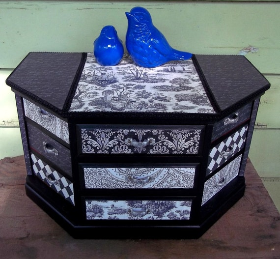 large vintage jewelry box upcycled in beautiful black and ivory