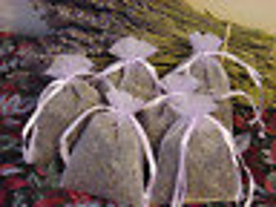 6 FRAGRANT Dried Lavender Filled Sachets.. Lavender Flower Sachets .FREE SHIP