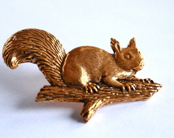 GOLD //// plated Squirrel Pin