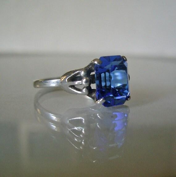 Vintage Sarah Coventry Sapphire Blue Stone Birthstone Ring