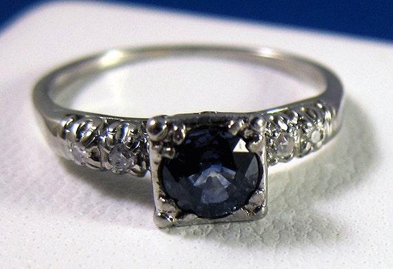 HOLDING --JABEL Beautiful Vintage 18k .90 Ct. Medium Cornflower Blue Sapphire Diamond Ring