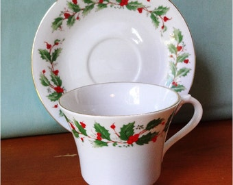 Stunning Vintage Holly Teacup and saucer
