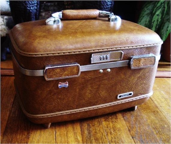 Vintage Luggage Train Case Make Up Case