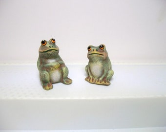 Frogs, ceramic frogs, miniature frogs, two sitting frogs
