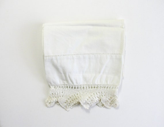 Beautiful Vintage Crocheted Lace Trimmed White Pillowcase