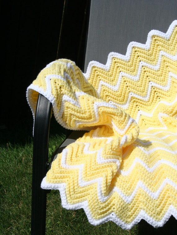 SALE Crochet Yellow and White Ripple Zig Zag Chevron Baby Afghan Blanket (was 50)