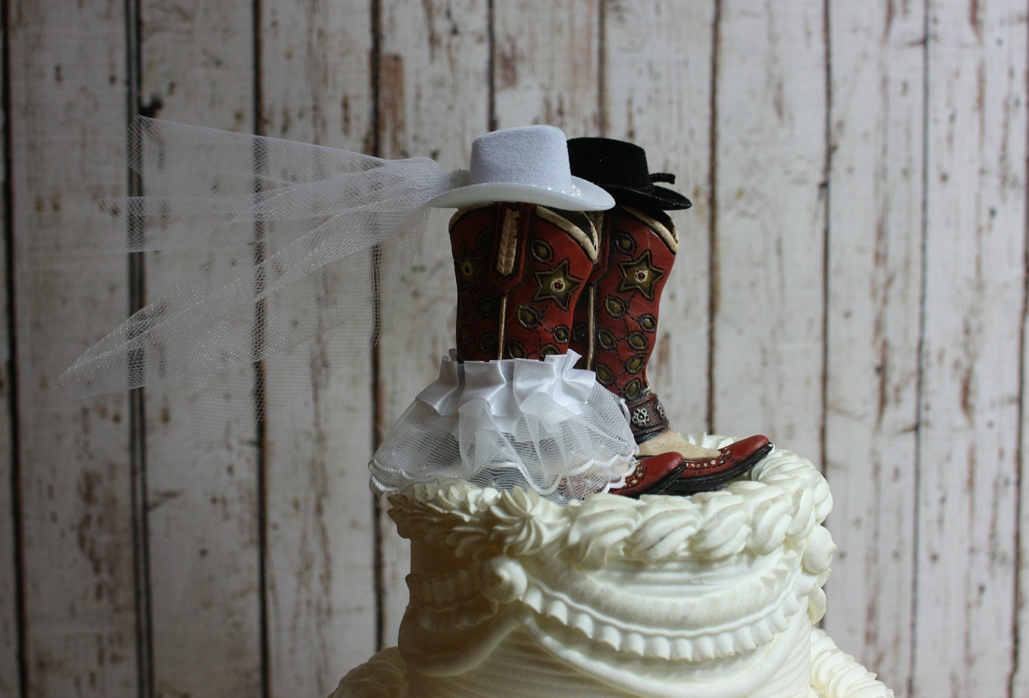 Country Western Wedding Wedding Cake Topper-His And Hers