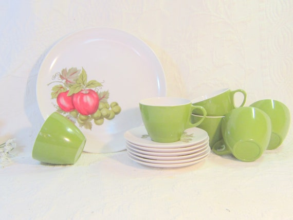 NOS Melmac Dinnerware Set Red Apple Green Grapes Plates Cups Saucers Shenandoah Royalon