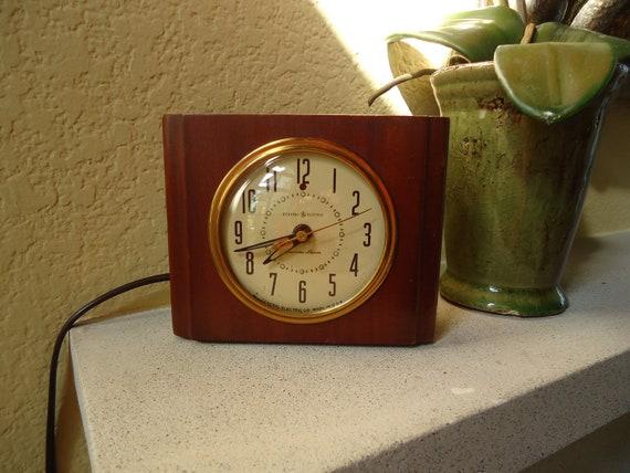 1940s GE Alarm Clock-RESTORED