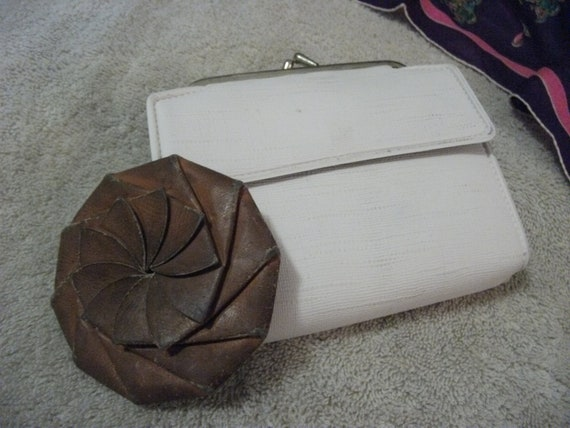 Vintage Ladies White Wallet w Change Purse and Leather Coin Pouch BOTH for Only 4 USD
