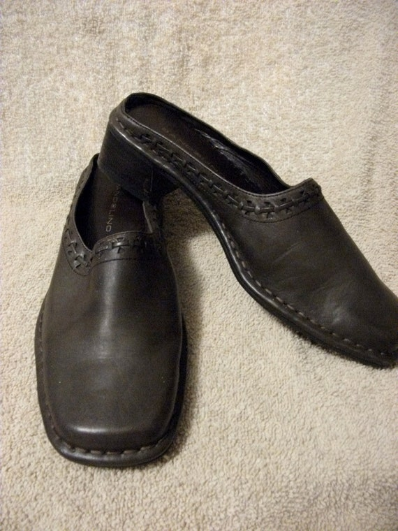 """REDUCED Vintage Ladies Brown Leather Bandolino Slides with 1 1/2"""" Heel Size 7  NOW Only 5 USD"""