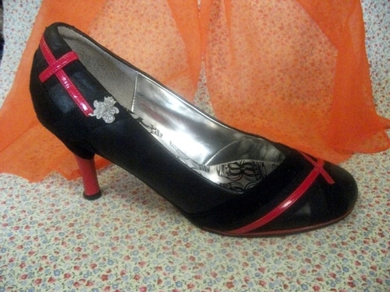 Vintage Ladies Black Leather Pumps by Ben Sherman with 3 Inch Heel Size 9 Only 10 USD