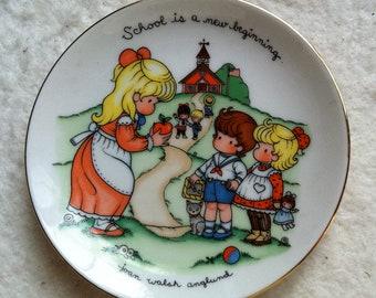 1986 Vintage Avon Joan Walsh Anglund Plate
