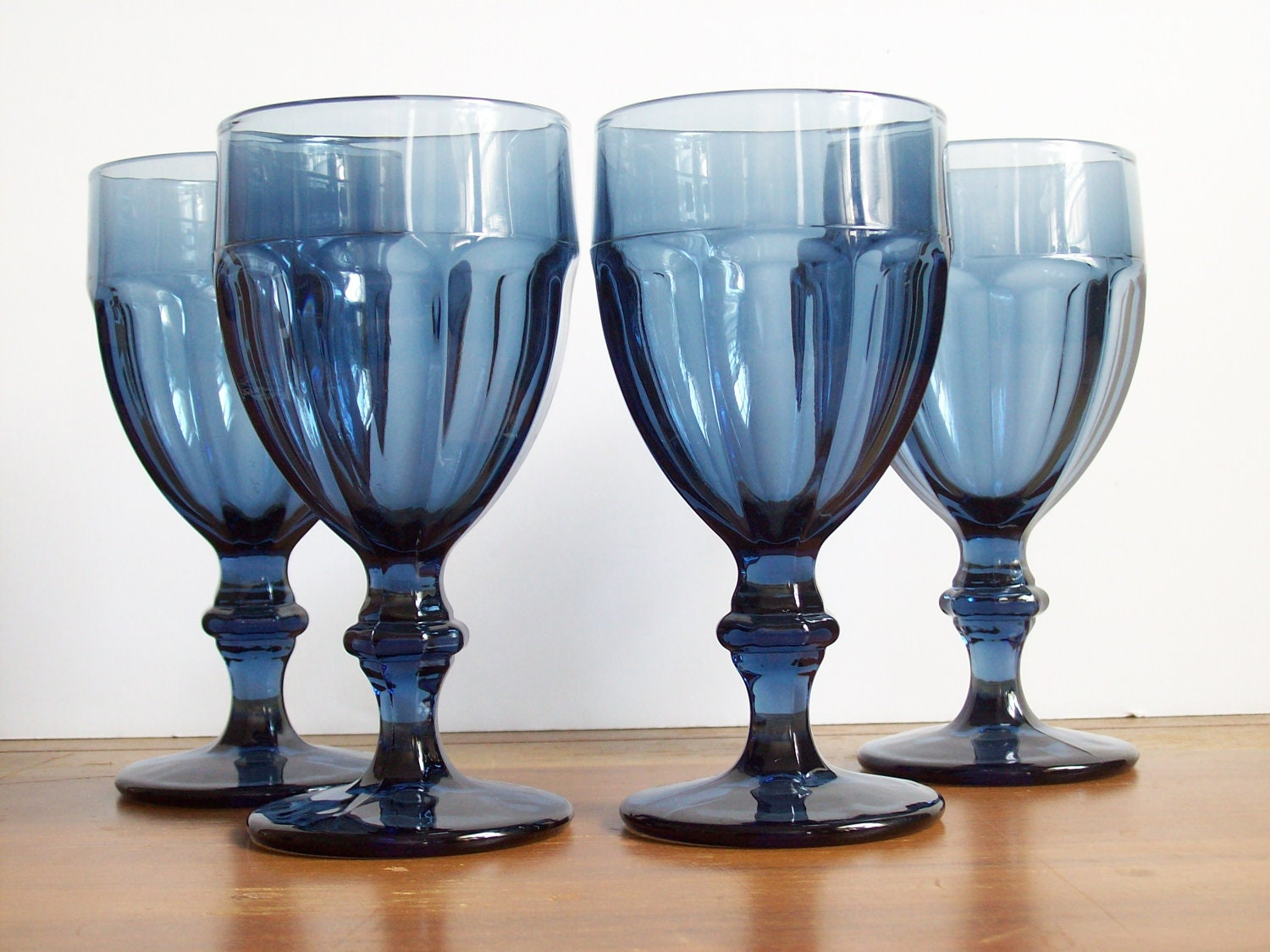 vintage navy glass goblets stemware wine glasses blue glass. Black Bedroom Furniture Sets. Home Design Ideas
