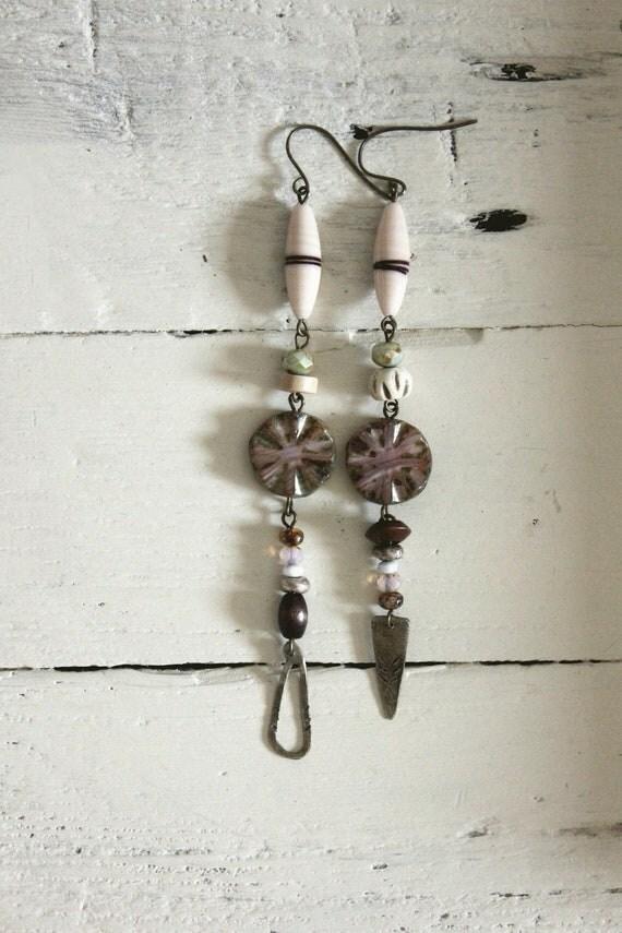 Bohemian earrings. Tribal. Wandering Bird. Silver feathers. Arrowheads. Jager.