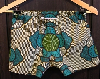 Green Flowers African Print Elastic Waisted Shorts with Front Pockets. Size Extra Small (UK8) Waist 25.5 inches