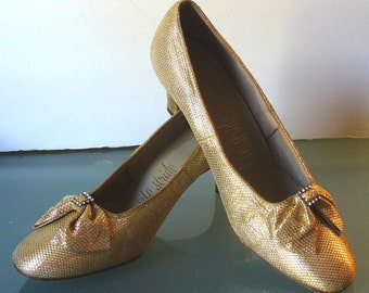 Vintage Metallic Gold Fabric Shoes with Bow & Rhinstone Detail Size 8B
