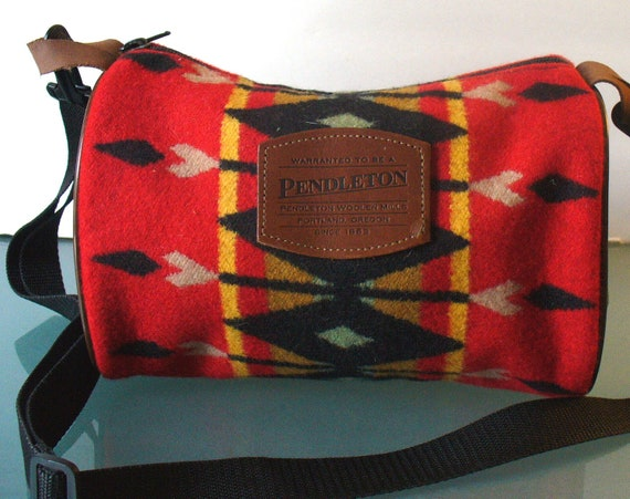 Pendleton Woolen Mills American Indian Print Wool Dopp Bag With Strap