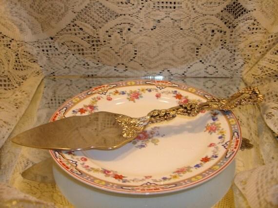Vintage GODINGER Silver Art Company Grape and Leaf design, Cake or Pie SERVING PIECE, Ornate, decorative table ware, vintage table ware