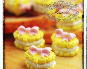 6 PCS X 15mm Cute Heart Shape Cookie Cabochon in Yellow w Pink Bow Ribbon Macaroon Flat Back Mini Food Art Material Miniature Supply (HT14Y)