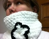 Black and White Chunky Crocheted Cowl