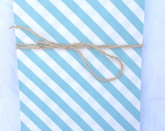 12blue and WHiTe STRiPed BaGs--large size--party favors--gifts---weddings--showers--12ct