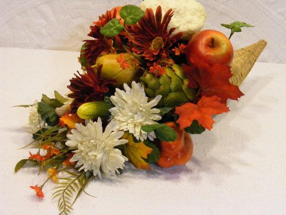 OOAK Garden Medley Cornucopia, Garden Vegetable Cornucopia, Fall Centerpiece, Thanksgiving Centerpiece
