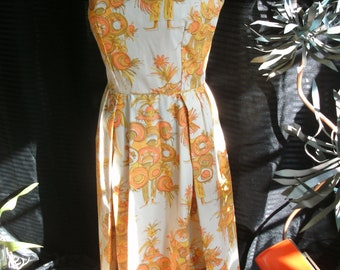 Adorable 1950's 60's Hawaiian Gidget Novelty Vintage Print Sun Dress
