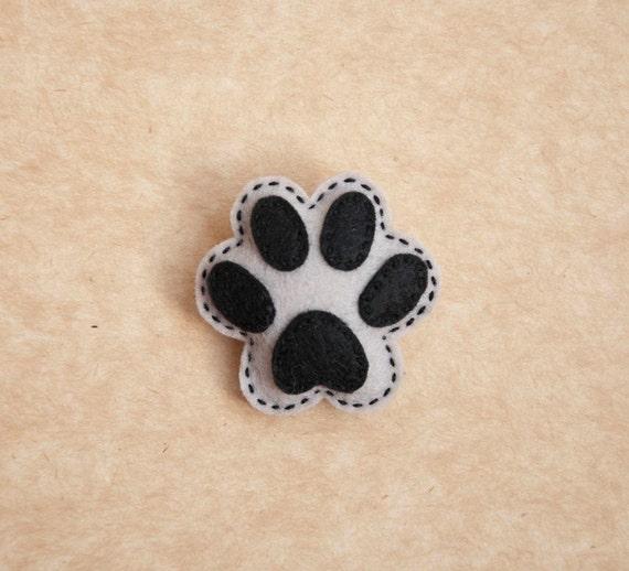 Puppy paw felt brooch