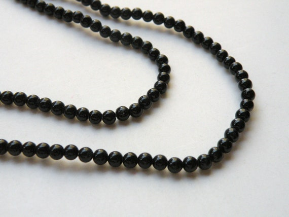 Riverstone beads in jet black round gemstone 4mm full strand 9433GS