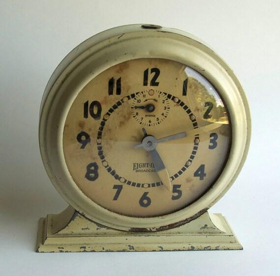 Mid-Century Clock, 1960s alarm clock, works