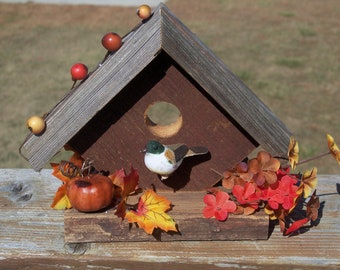 Birdhouse made from barnwood - use it for decorative purposes only (autumn colors)